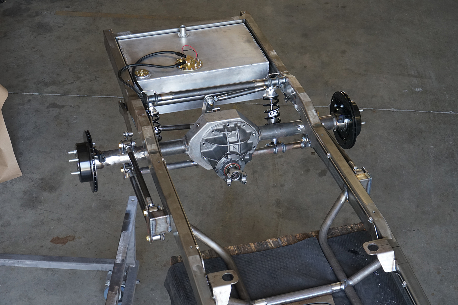 scotts-64-66-F100-chassis-rear-suspension-7