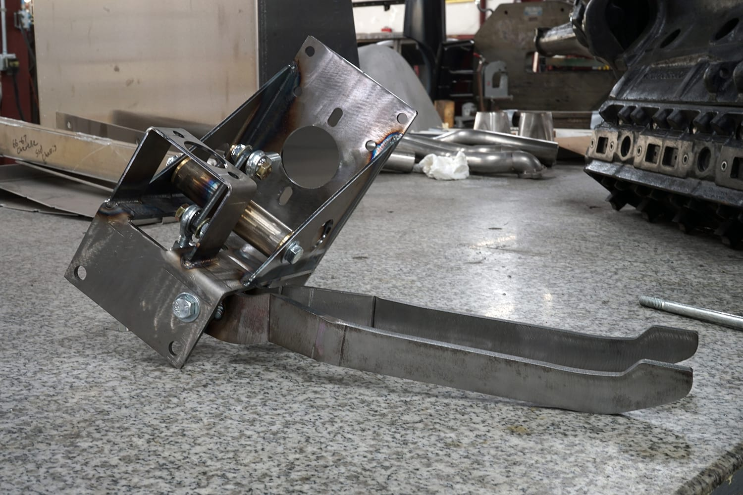 SCOTTS UNDER-DASH BRAKE AND CLUTCH PEDAL ASSEMBLY 1